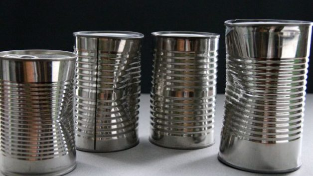 http://www.bravosrl.it/wp-content/uploads/2016/07/four-unlabeled-metal-cans-containing-unknown-foods-725x483-628x353.jpg